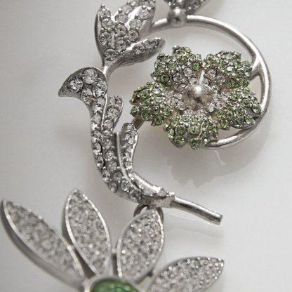 Burberry crystal earrings half-daisy earrings hire rent